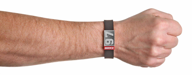 Puck Armband Brayce Deutschland Offizielle Webseite Das Trikot Atasan Hp Nummer 97